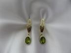 Šperky s brilianty a jinými drahokamy vzor náuš-olivín
