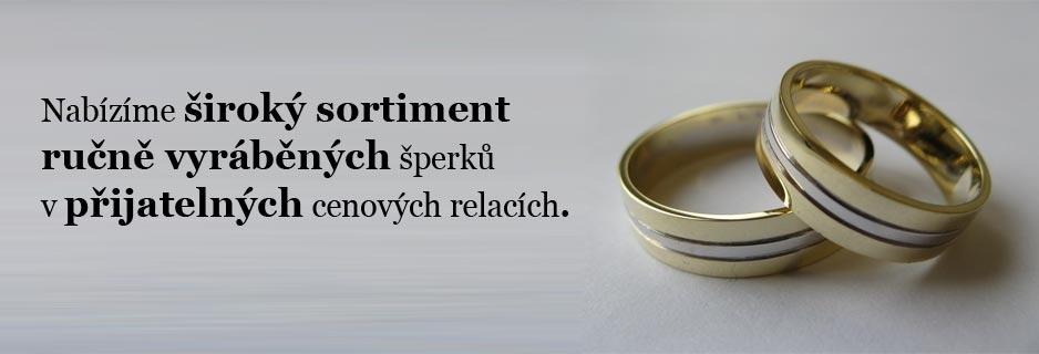 Nabízíme široký sortiment ručně vyráběných šperků v přijatelných cenových relacích.